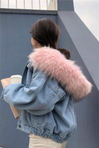 Podložena denim jakna bo poživela vašo garderobo.